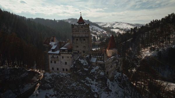 P90249734_lowRes_frozen-romania-02-20 Cu BMW X6 în căutarea filmării perfecte (video)