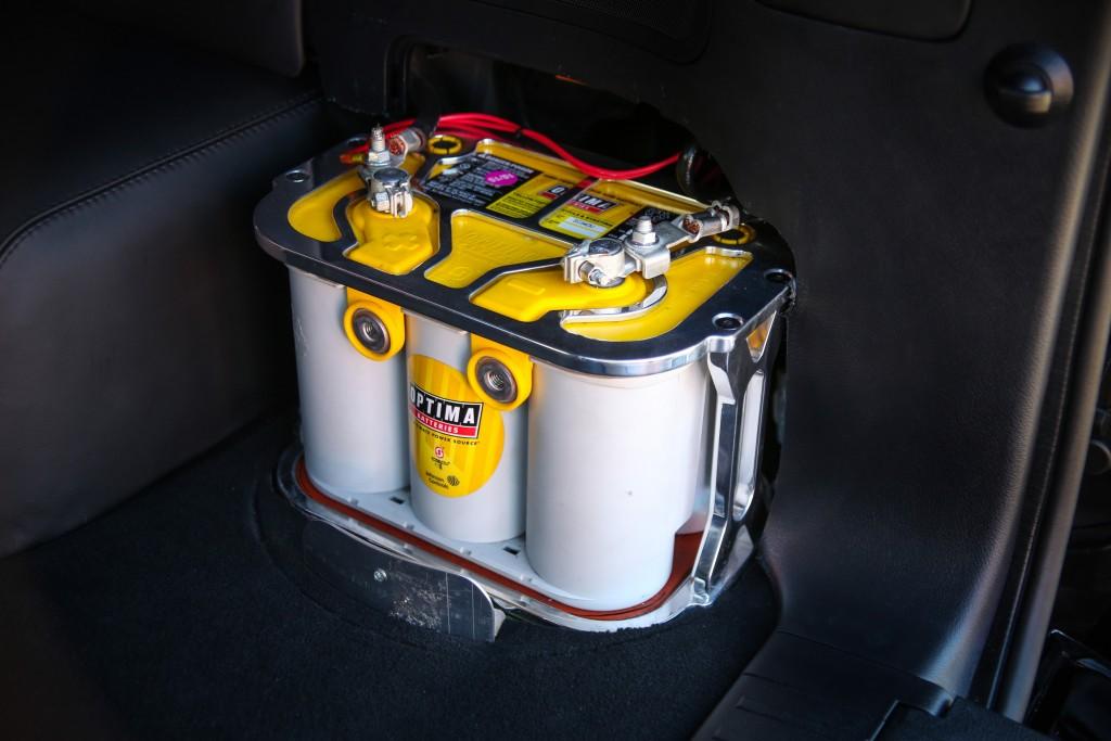 Land-Speed-Cruiser-baterie-uscata-de-curse-in-portbagaj-1024x683 Cele mai rapide SUV-uri din lume...
