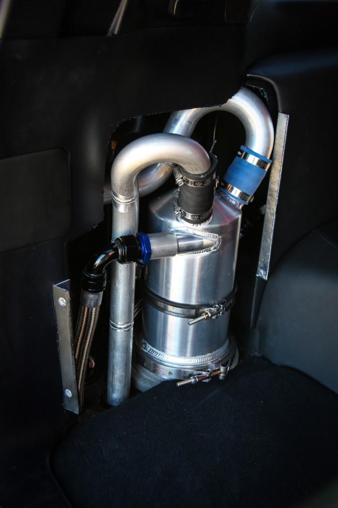 Land-Speed-Cruiser-pompa-de-benzina-in-portbagaj-683x1024 Cele mai rapide SUV-uri din lume...