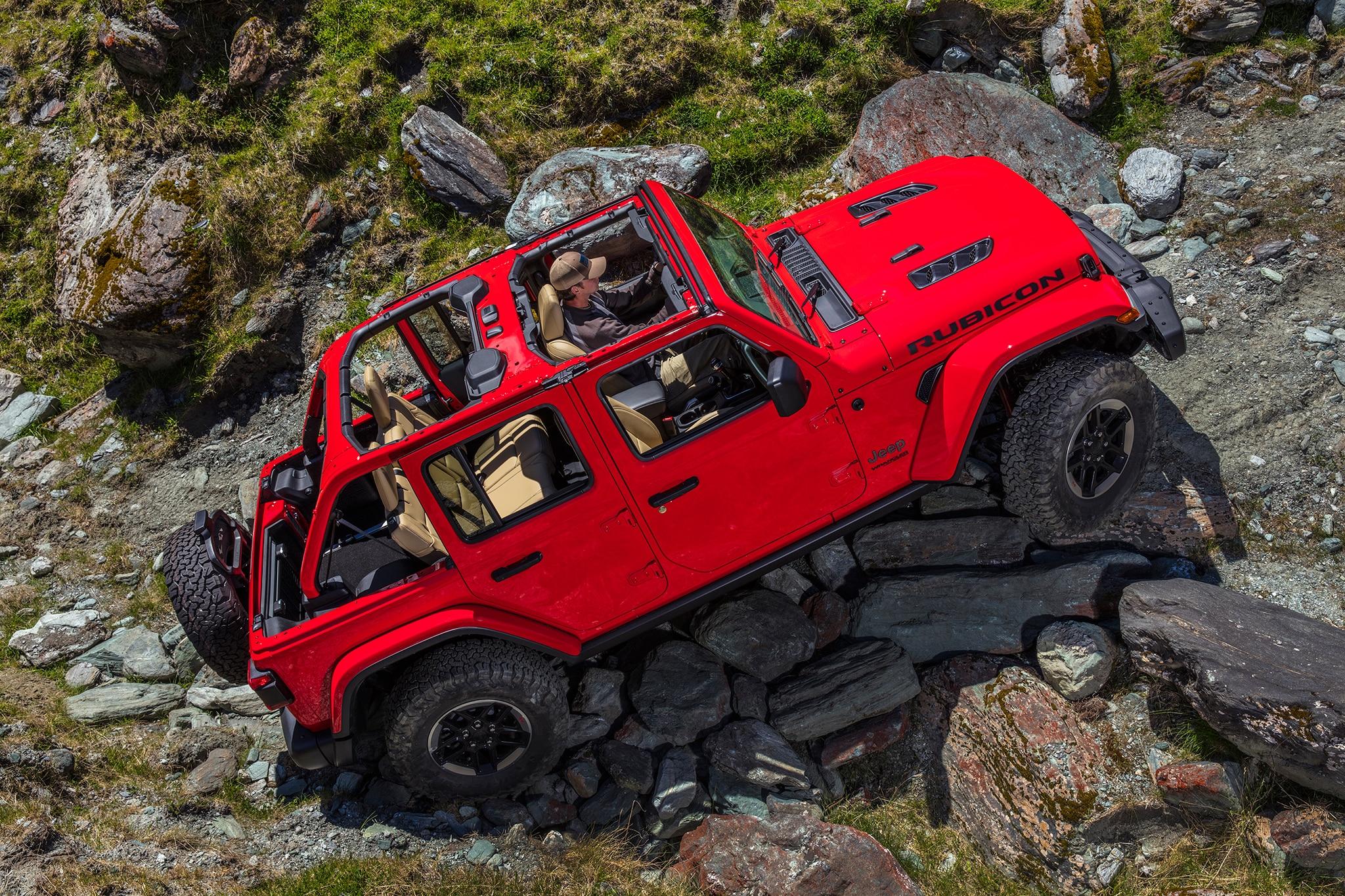 2018-Jeep-Wrangler-Unlimited-Rubicon-side-profile-01 Aflati totul despre noul Jeep Wrangler JL 2018 - Specificatii tehnice, Galerie Foto