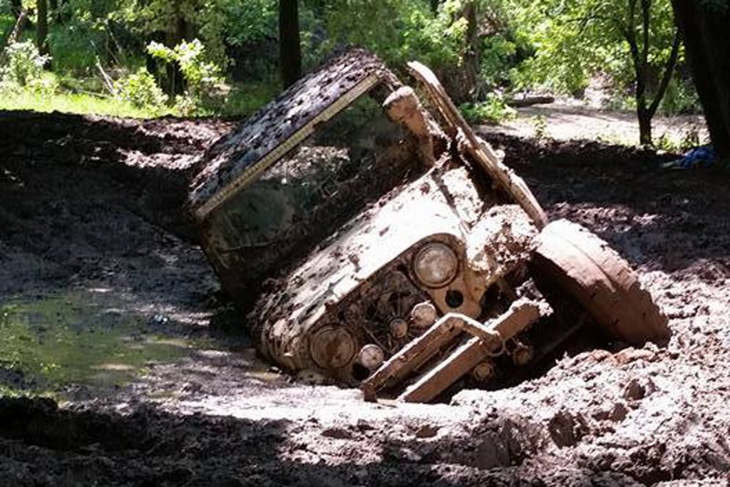 accident-off-road-1024x683 Cum sa eviti situatile neplacute si cum sa-ti menti vehiculul 4x4 intact pe traseele off road