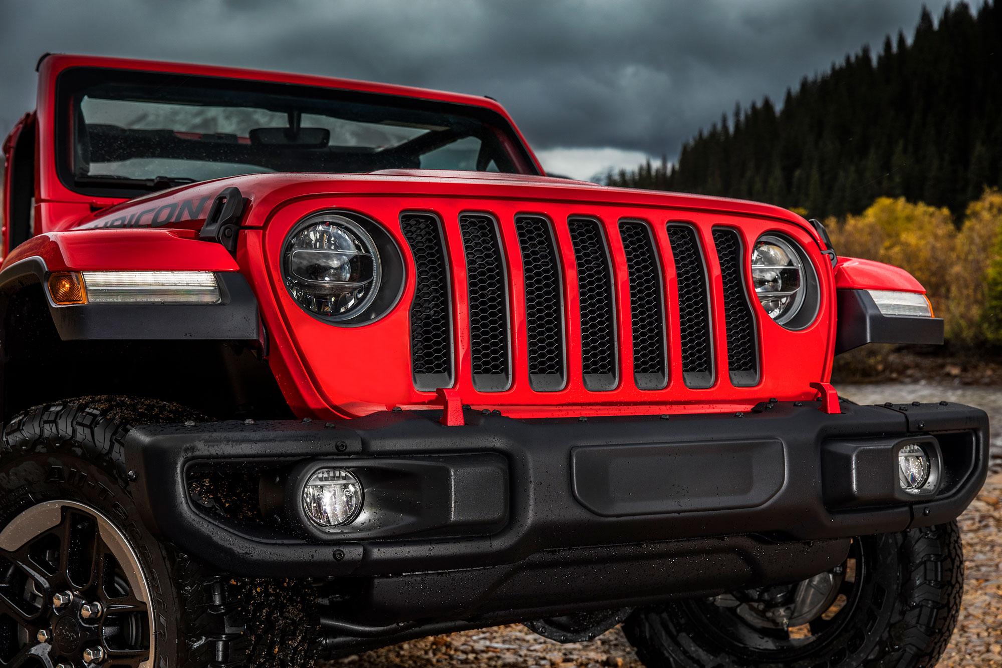 jeep-wrangler-grill Aflati totul despre noul Jeep Wrangler JL 2018 - Specificatii tehnice, Galerie Foto
