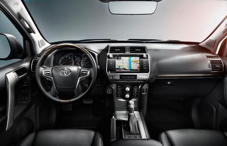 2018-toyota-land-cruiser-10 Noul Toyota Land Cruiser: Un 4x4 veritabil