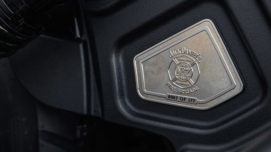 2018-jack-daniels-gallery-16 Noua motocicleta Jack Daniel's Limited Edition Indian Scout Bobber s-a vandut  in mai putin de 10 minute.