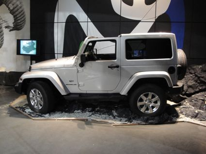 New_Jeep1 Jeep lanseaza expozitia exclusiva Jeep Adventure la MotorVillage Champs-Elysées Paris