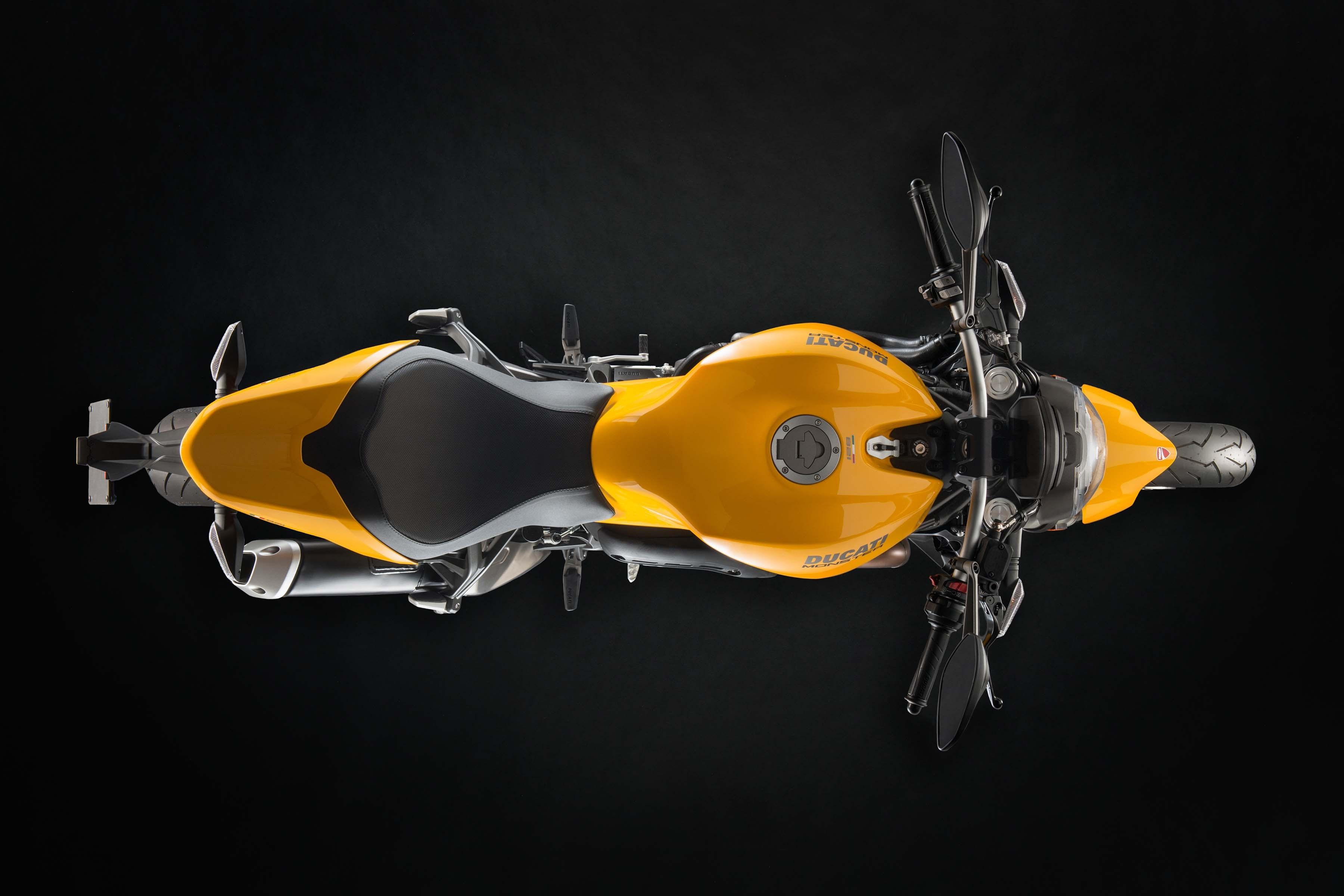 ducati-sus Ducati ne face cunostinta cu Monster 821