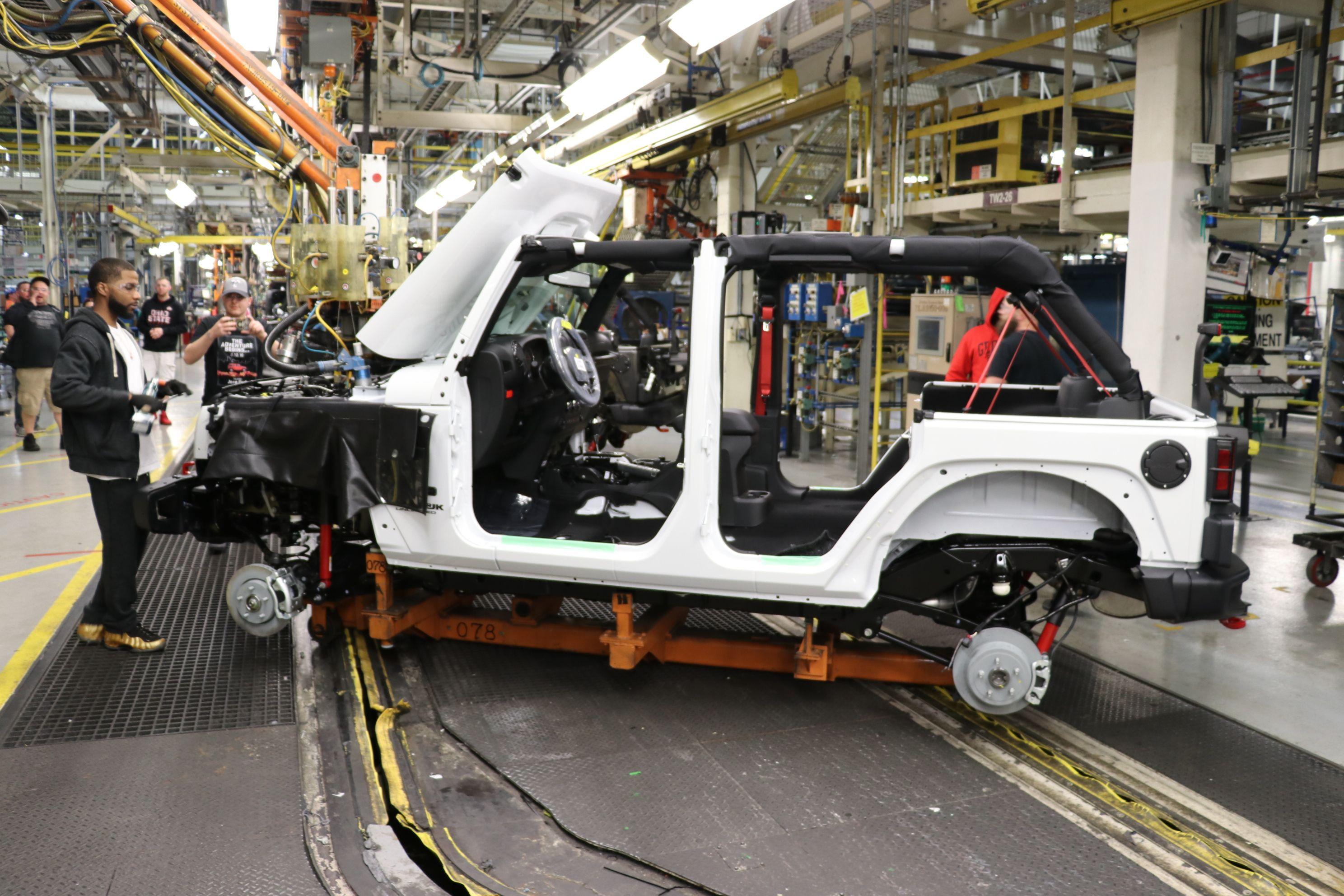 jeep2 Jeep nu va mai produce modelul Wrangler JK