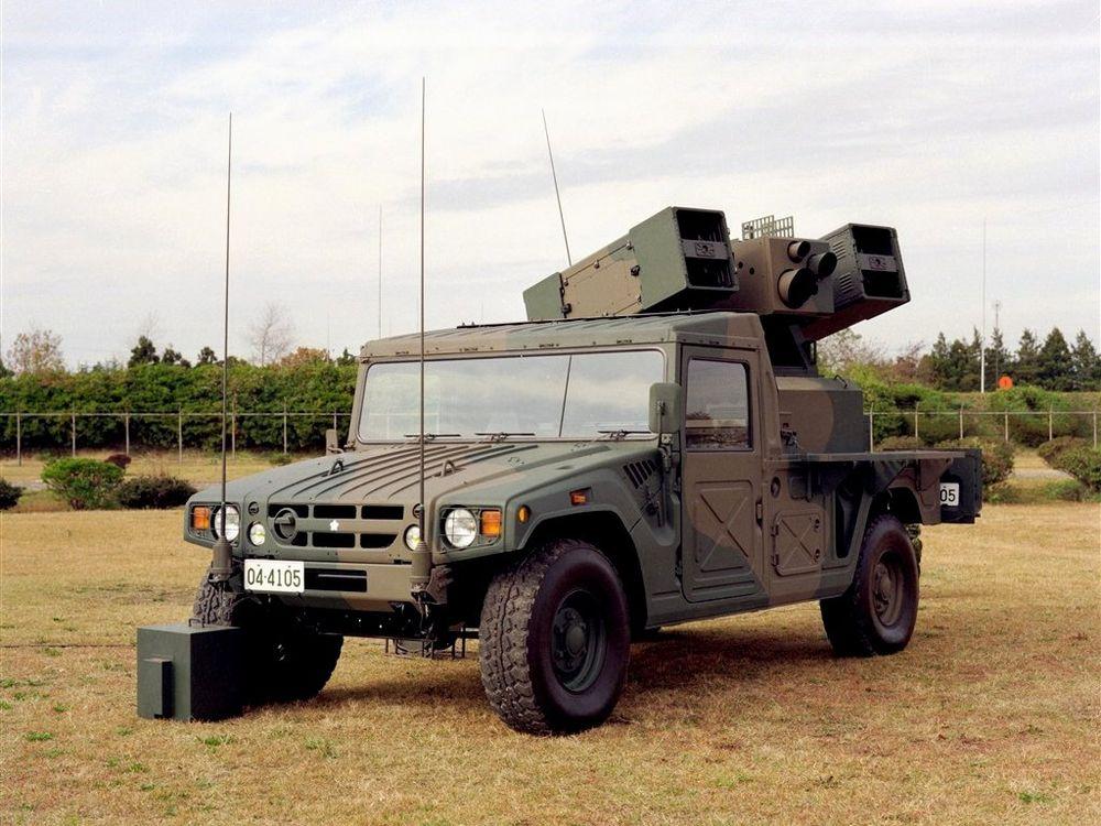 "toyota-mega-cruiser1 Acel moment cand Toyota si-a facut propriul Humvee si l-a numit ""Mega Cruiser"""