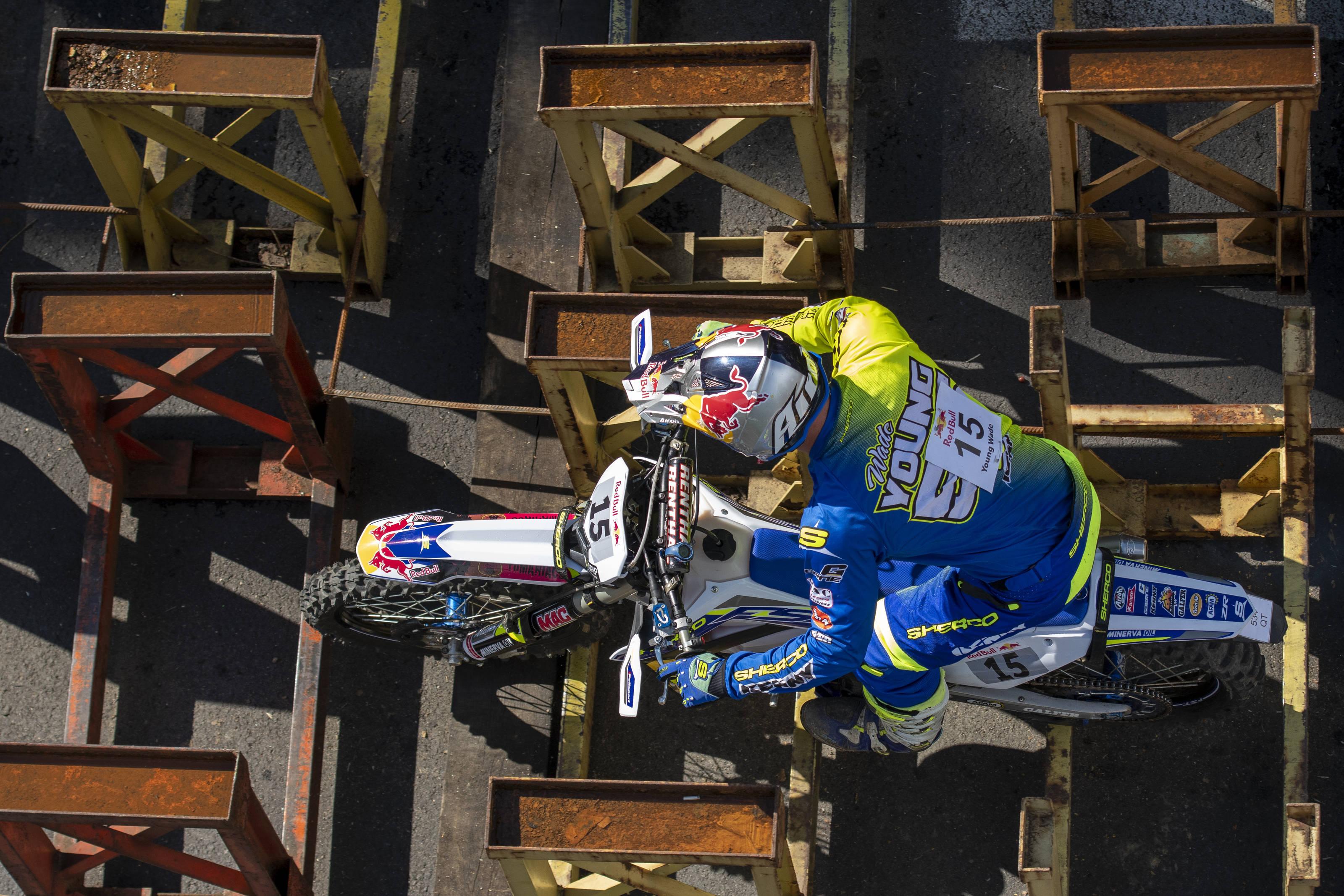 AP-1WCMCF2VH2111_news Red Bull Romaniacs Epic 15: Manuel Lettenbichler emite pretenții la podium după câștigarea primei zile