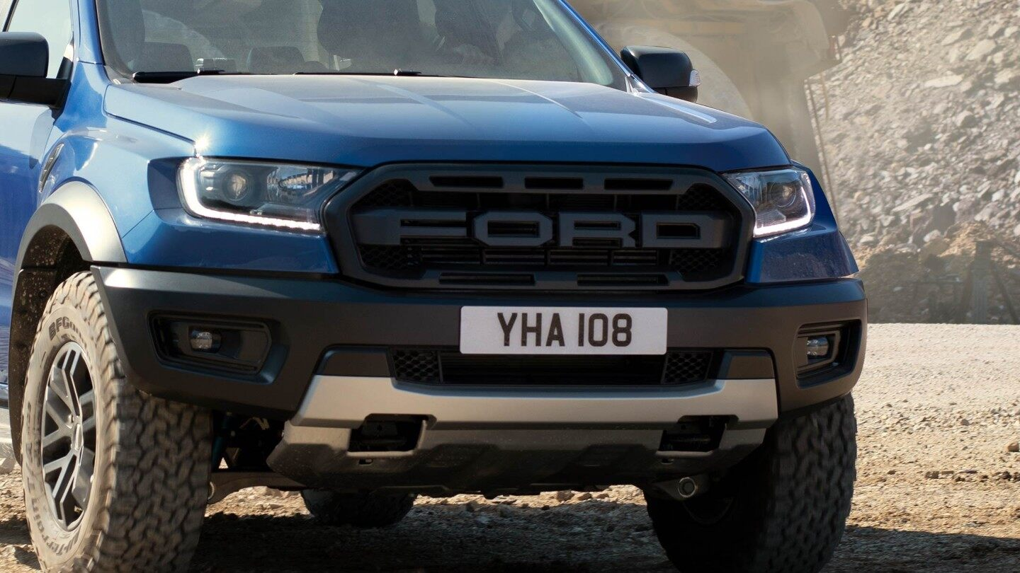Ford-Ranger_Raptor-EU-2018_FORD_RANGER_RAPTOR_Shot37_Front34_Work_01_16x9-2160x1215.jpg.renditions.extra-large Ford a lansat Ranger Raptor in Europa