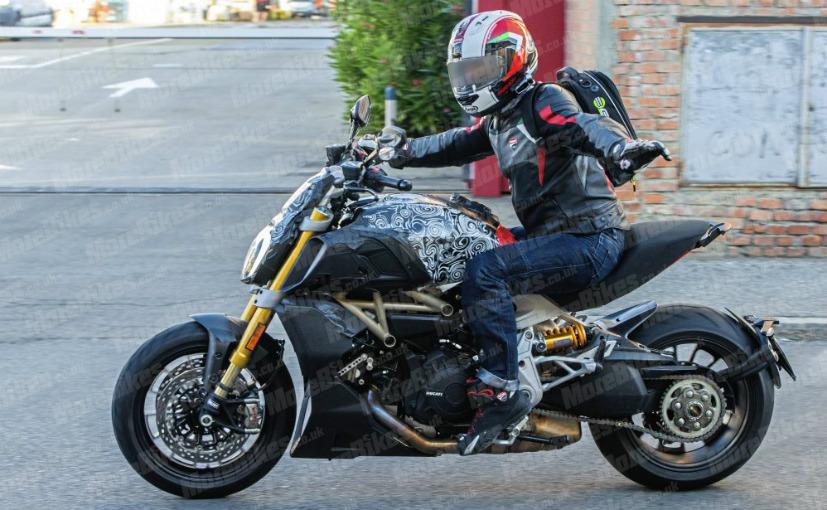 diavel1 Ducati Diavel 2019, zarit in trafic