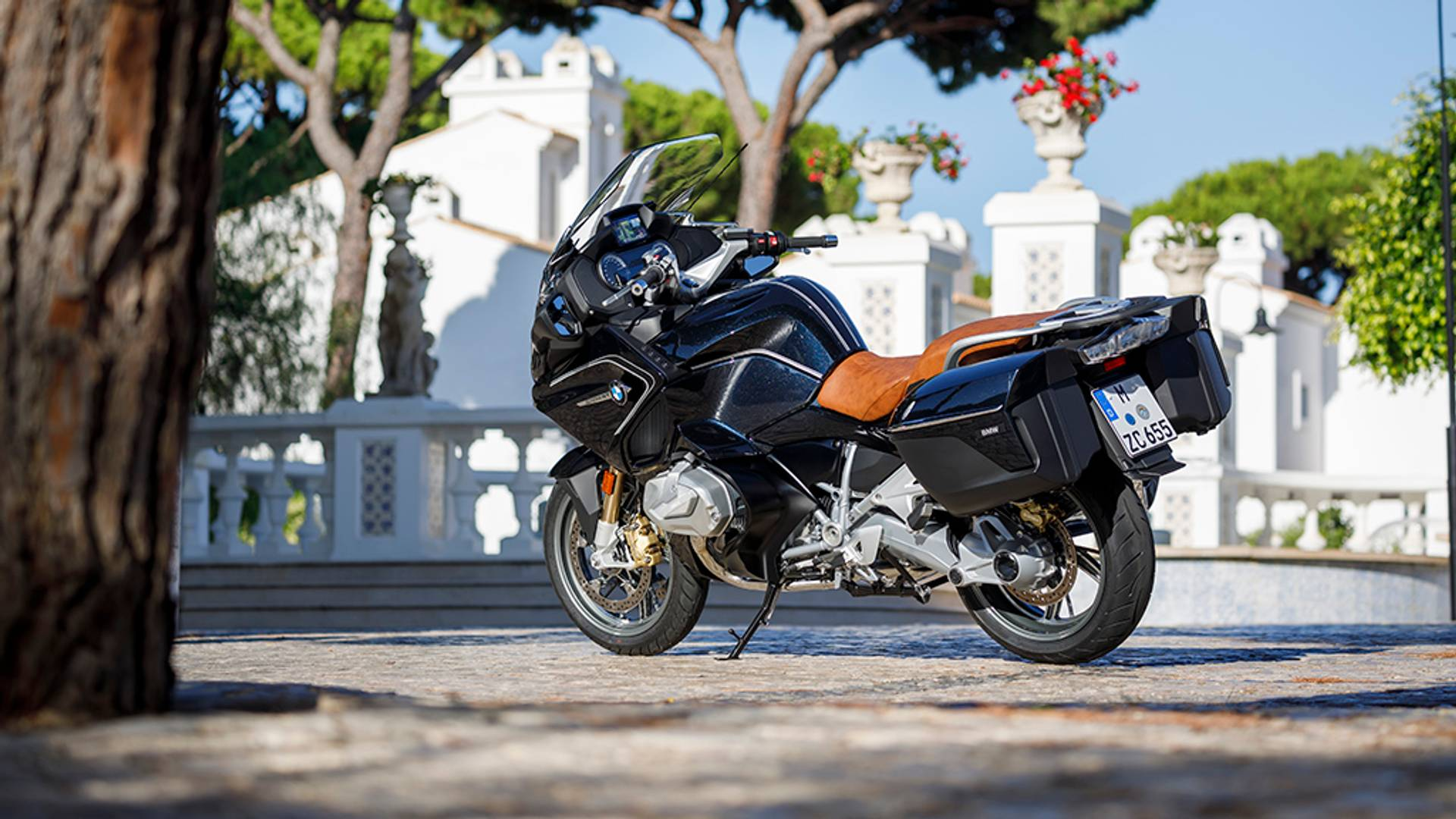 2019-bmw-r1250rt-2 Noul BMW R 1250 GS si RT sunt prezentate in sfarsit in 'carne si oase'