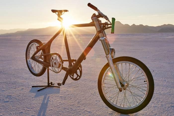 MBS_PROJECTSPEED-KHS-Bicycle-700x467 Haideti sa urmarim aceasta femeie care atinge aproape 300 km/h pe o bicicleta
