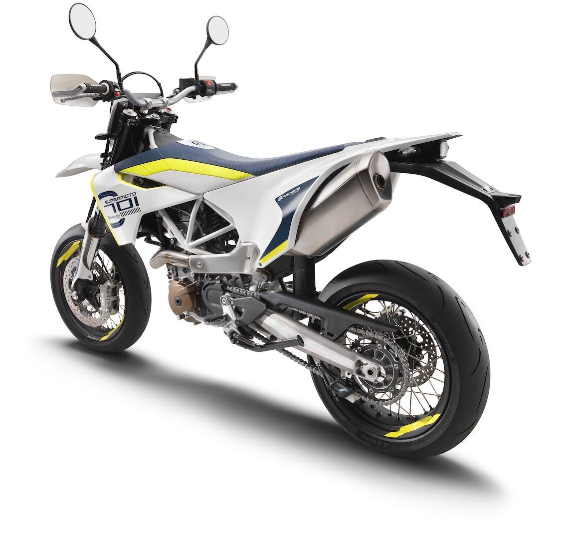 2019-husqvarna-supermoto-enduro-701-motorcycles-2 Husqvarna prezinta 701 Supermoto si 701 Enduro