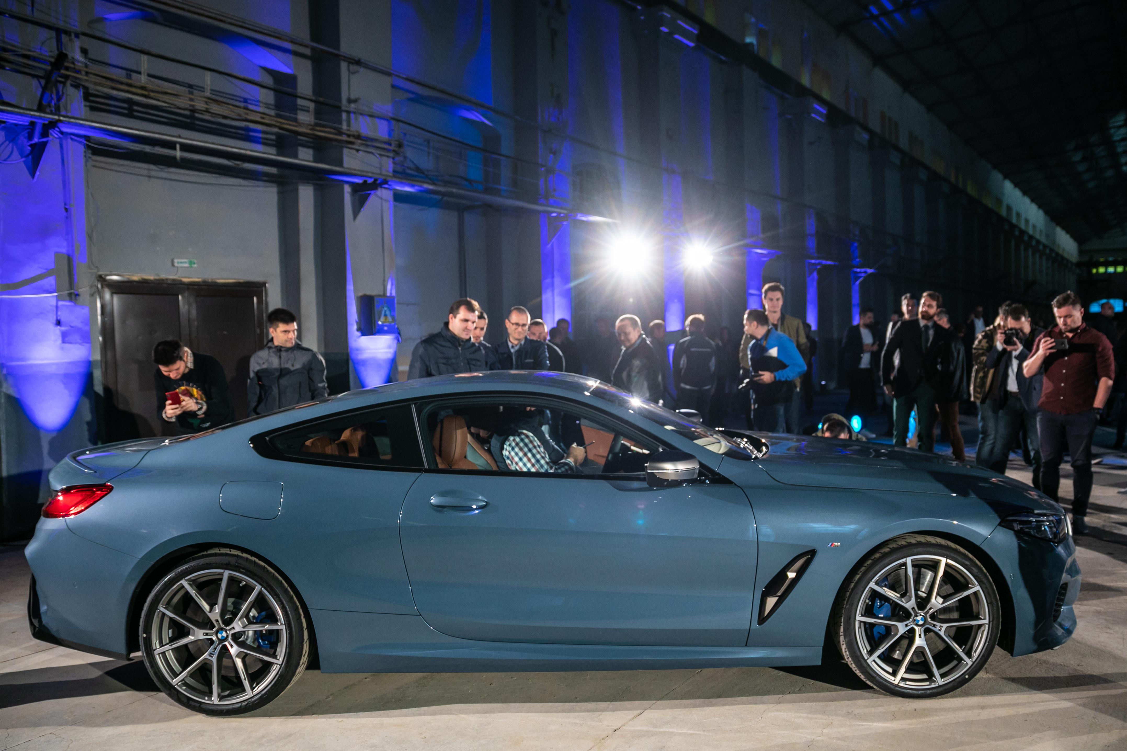 P90329648_highRes_bmw-8-series-media-l Noul BMW Seria 8 arata spectaculos