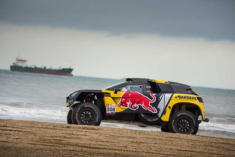 Sebastien-Loeb-2 Sebastien Loeb si-a prezentat masina cu care va concura la Raliul Dakar 2019