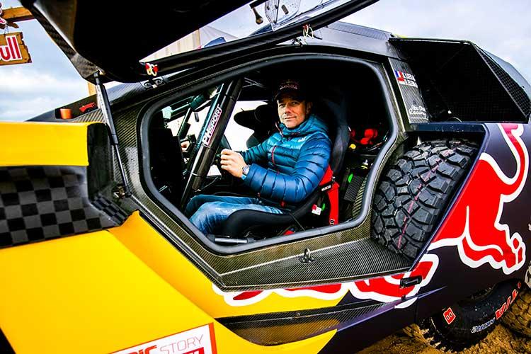 Sebastien-Loeb-3 Sebastien Loeb si-a prezentat masina cu care va concura la Raliul Dakar 2019