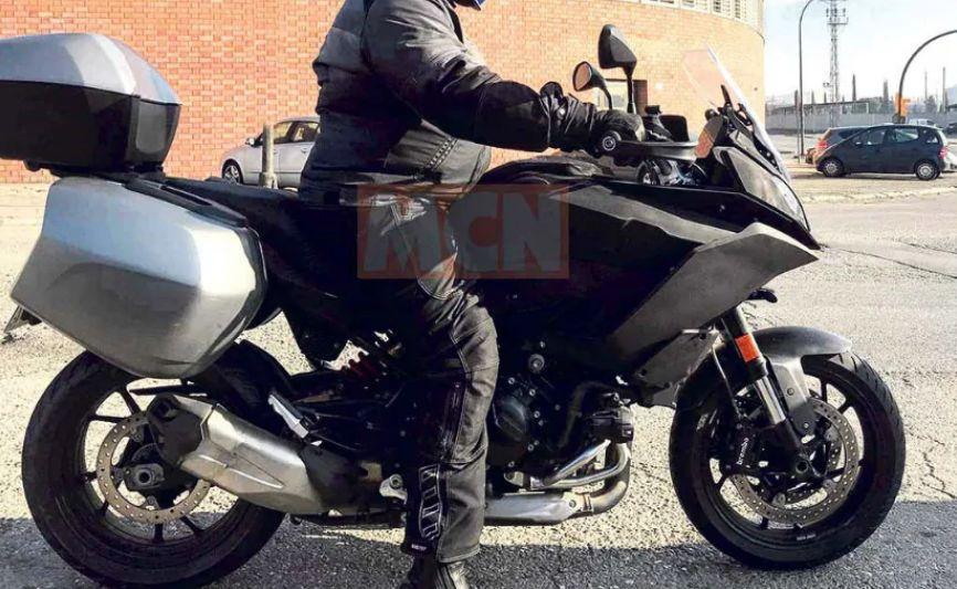 bmw-sport-touring O noua motocicleta sport-touring de la BMW