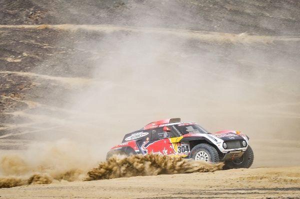 P90334651_lowRes_2019-dakar-stage-3-s MINI JCW Rally vs. MINI JCW Buggy