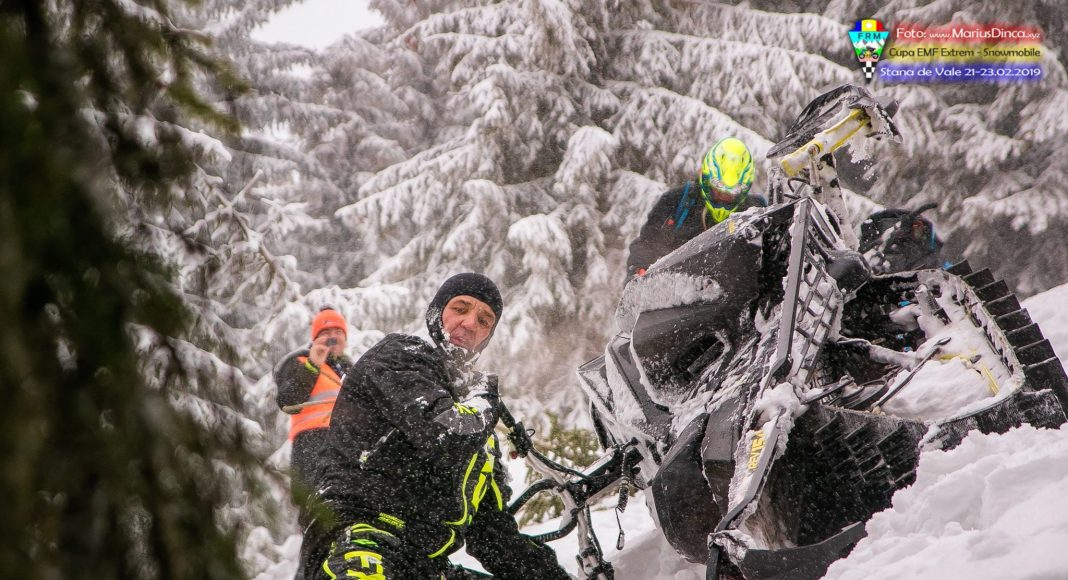 51670538_2203532983037047_49373230342864896_o-1068x580 Spectacol cu snowmobile la Stana de Vale