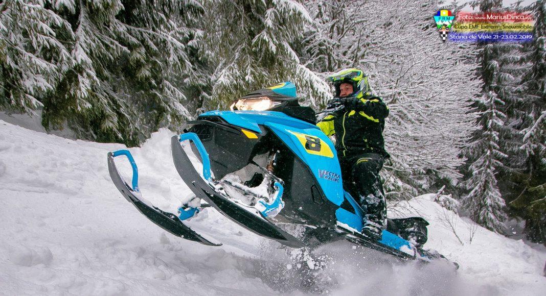52532794_2203533556370323_4244740543986270208_o-1068x580 Spectacol cu snowmobile la Stana de Vale