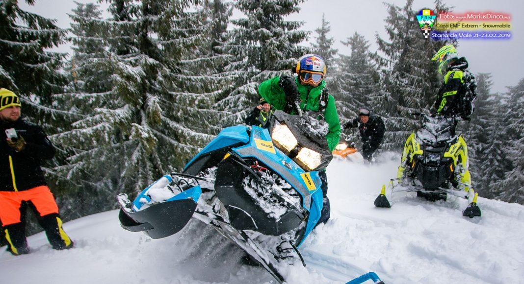 52608731_2203530749703937_2161437146341179392_o-1068x580 Spectacol cu snowmobile la Stana de Vale