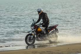 Moto-Guzzi Aventura pe doua roti: ochii pe ele in 2019