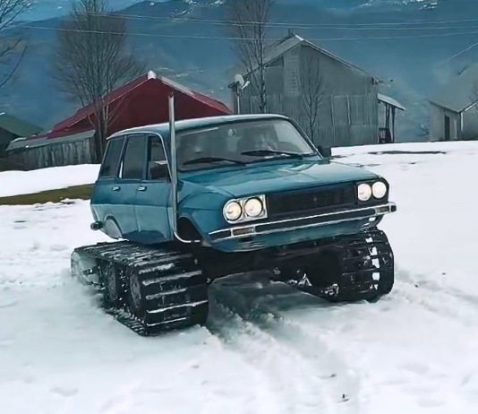 Renault R12 snowmobil