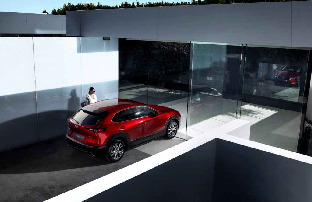 Mazda-CX-30_1-1024x664 Salonul Auto de la Geneva 2019: Mazda CX-30 completeaza familia SUV-urilor