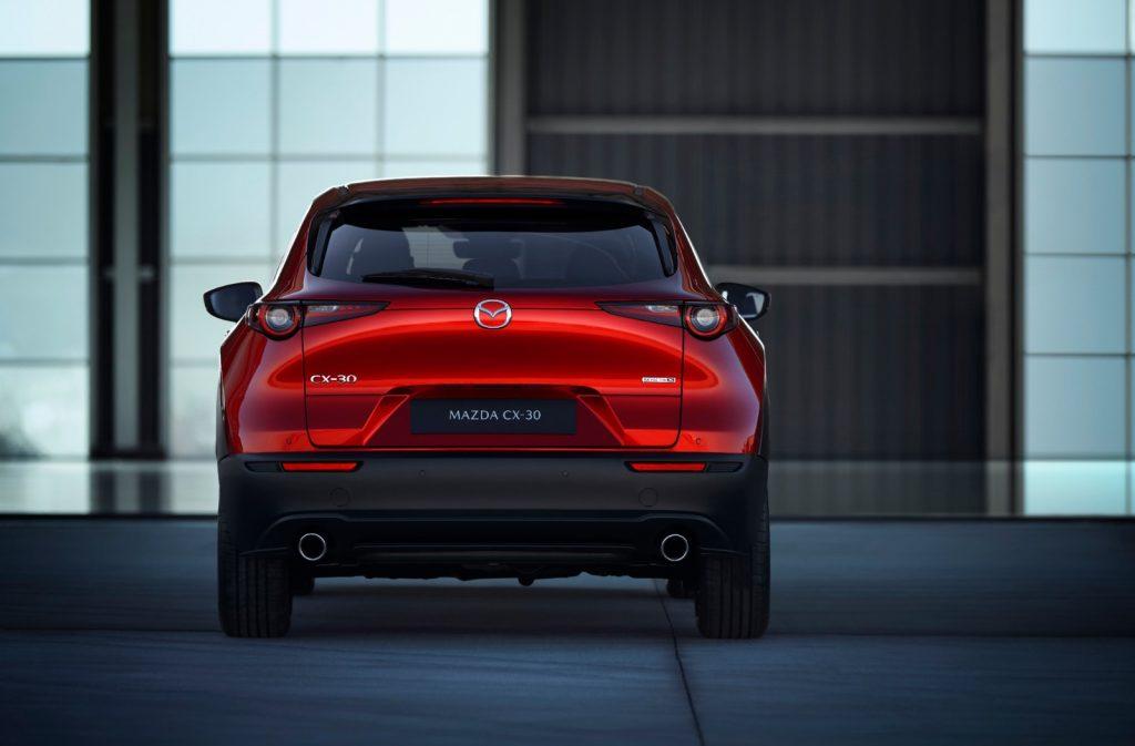 Mazda-CX-30_2-1024x673 Salonul Auto de la Geneva 2019: Mazda CX-30 completeaza familia SUV-urilor
