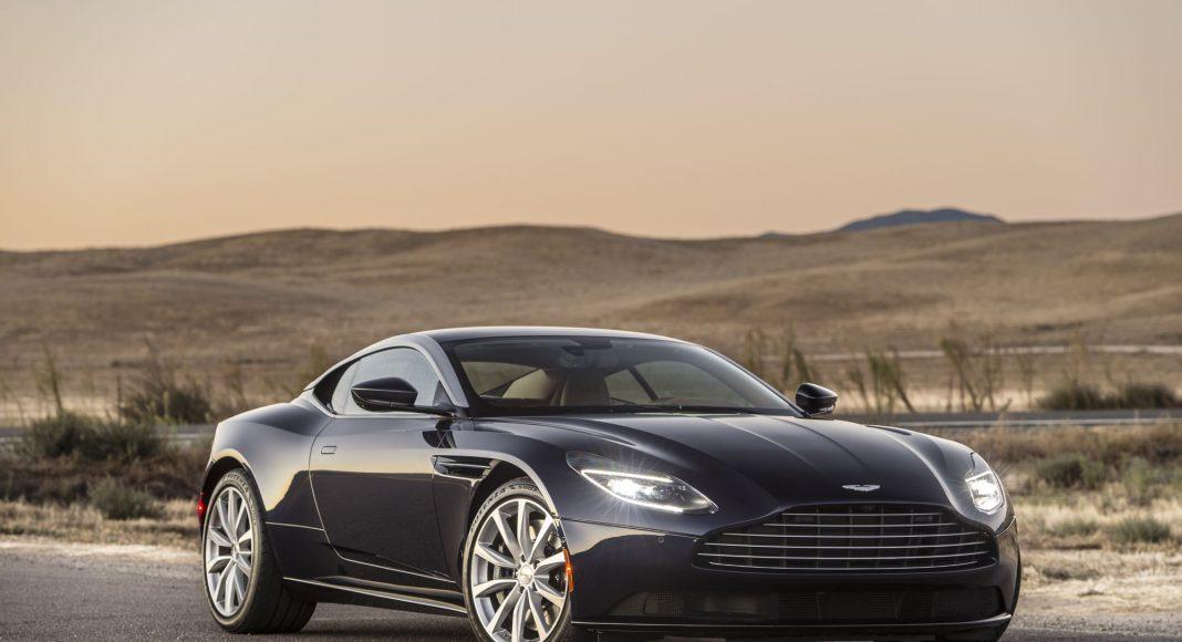 V8-Powered-DB11-in-Mariana-Blue-1068x580 Aston Martin este oficial in Romania