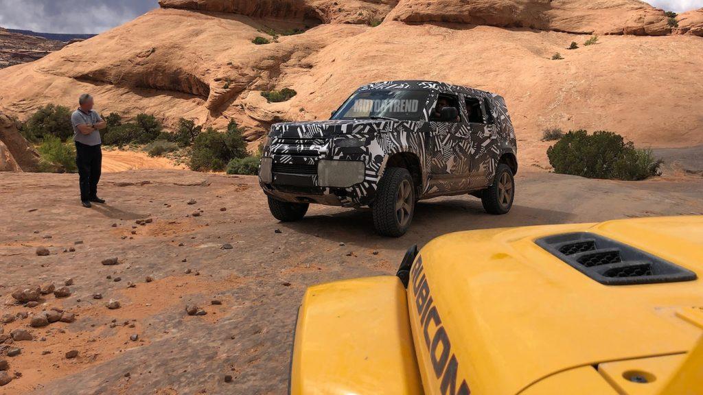 Land-Rover-Defender-Spy-Shots-9-1024x576 Detalii tehnice noi despre viitorul Defender!