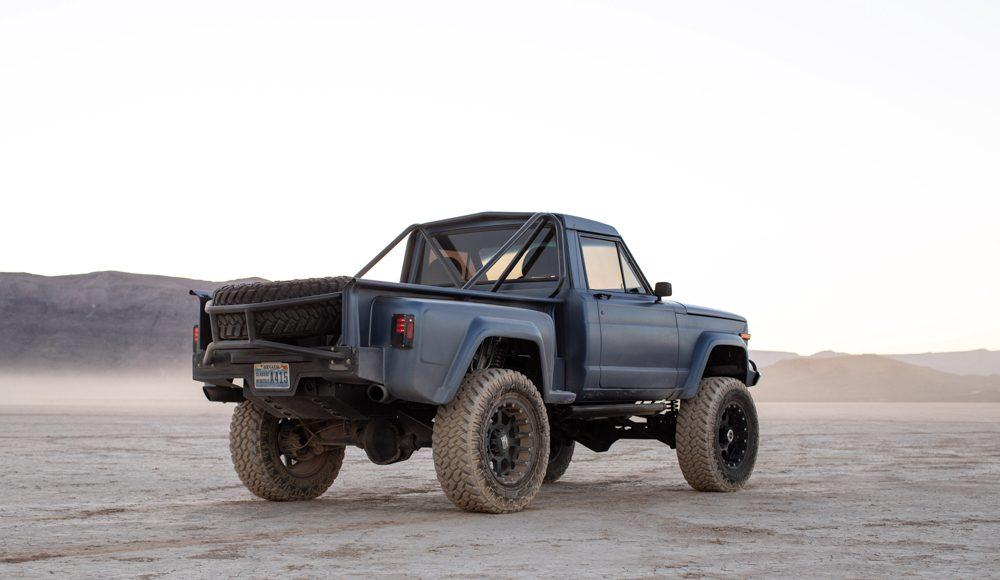 pick-up-Jeep-2-1000x580 Pick-up Jeep intr-o alta formula! Custom!