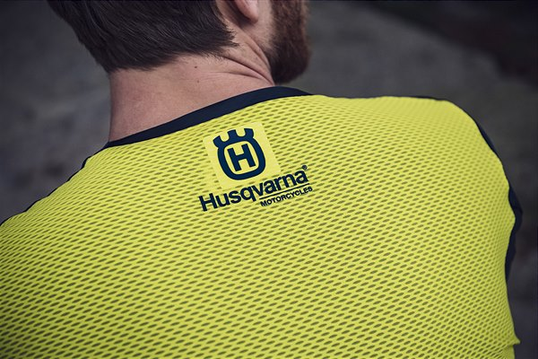 2020-Functional-Clothing-Offroad-Collection-2 Husqvarna a pus in vanzare colectia de echipamente off road 2019