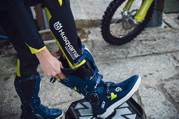 2020-Functional-Clothing-Offroad-Collection-3 Husqvarna a pus in vanzare colectia de echipamente off road 2019