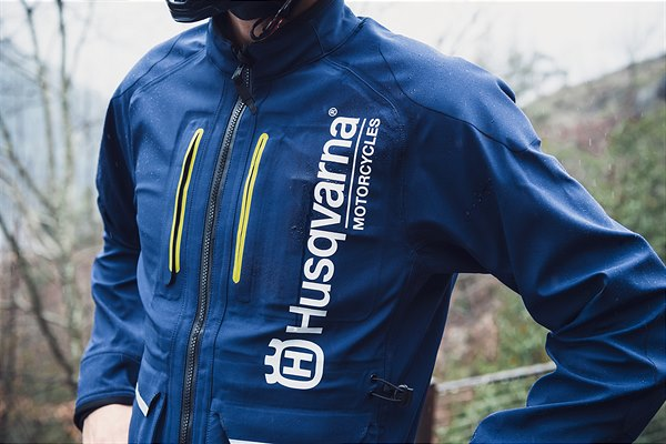 2020-Functional-Clothing-Offroad-Collection Husqvarna a pus in vanzare colectia de echipamente off road 2019