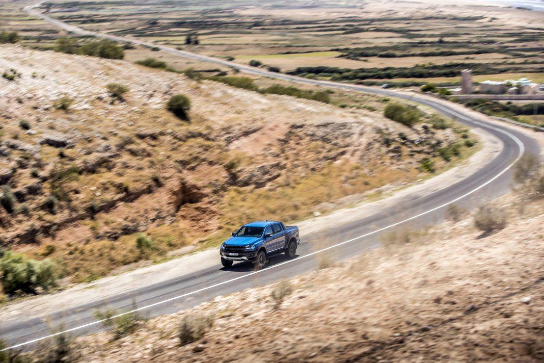 Ford-Ranger-Raptor-prova-su-strada-17-1068x712 Ford Ranger Raptor a sedus in Maroc!