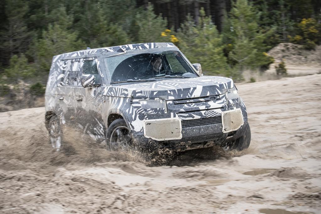 lrdefenderwlrd30041909-resize-1024x682 Noul Land Rover Defender atinge hotarul de 1.2 mil. kilometri de teste si proiectare