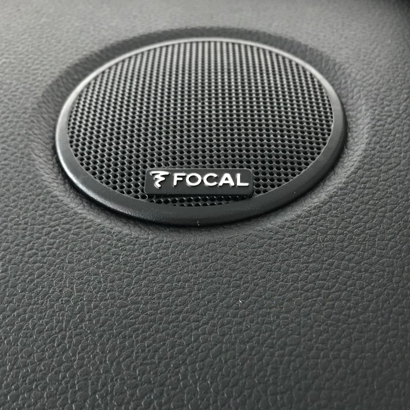 21229474_2019_Big_DACIA_picnic_at_Chaalis_Abbey-Copy Dacia Duster primeste o editie de colectie!