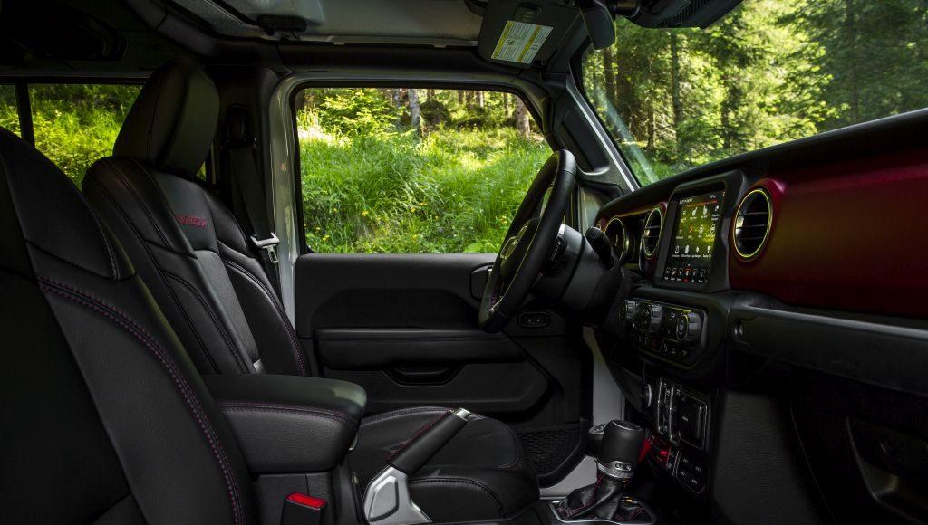 New-Jeep-Gladiator-13-1024x580 Gladiator surprins in varful Dolomitilor!