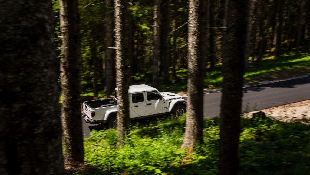 New-Jeep-Gladiator-19-1024x580 Gladiator surprins in varful Dolomitilor!