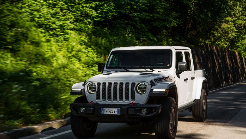 New-Jeep-Gladiator-36-1024x580 Gladiator surprins in varful Dolomitilor!
