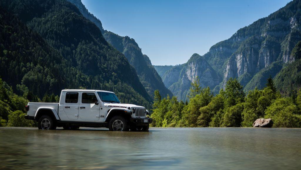 New-Jeep-Gladiator-37-1024x580 Gladiator surprins in varful Dolomitilor!