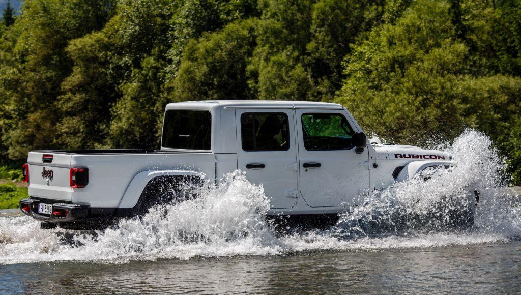 New-Jeep-Gladiator-38-1024x580 Gladiator surprins in varful Dolomitilor!