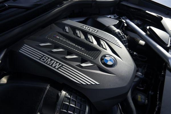 P90356722_lowRes_the-new-bmw-x6-inter BMW X6. De-acum, oficial. Vezi noutatile!