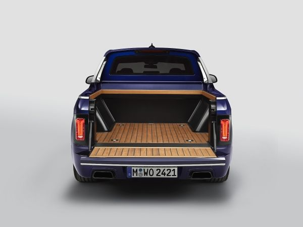 P90357105_lowRes_the-bmw-x7-pickup-07 X7 Pickup! BMW se joaca sau are ganduri mari?