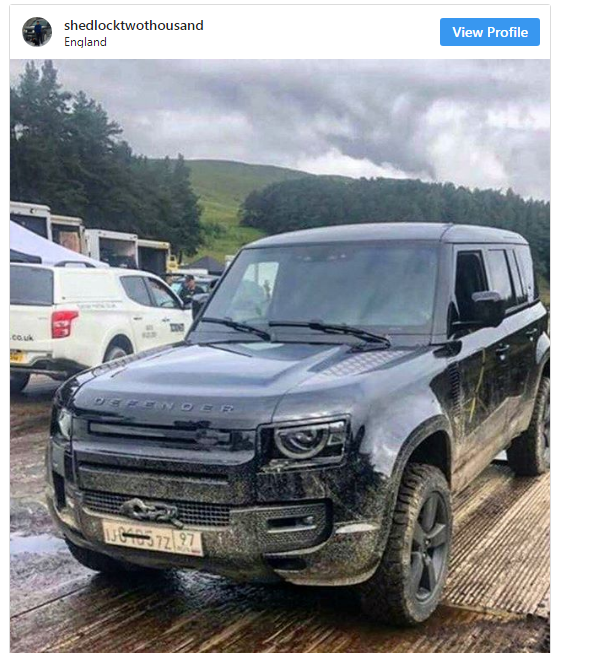 Land-Rover-Defender Land Rover Defender fara camuflaj!