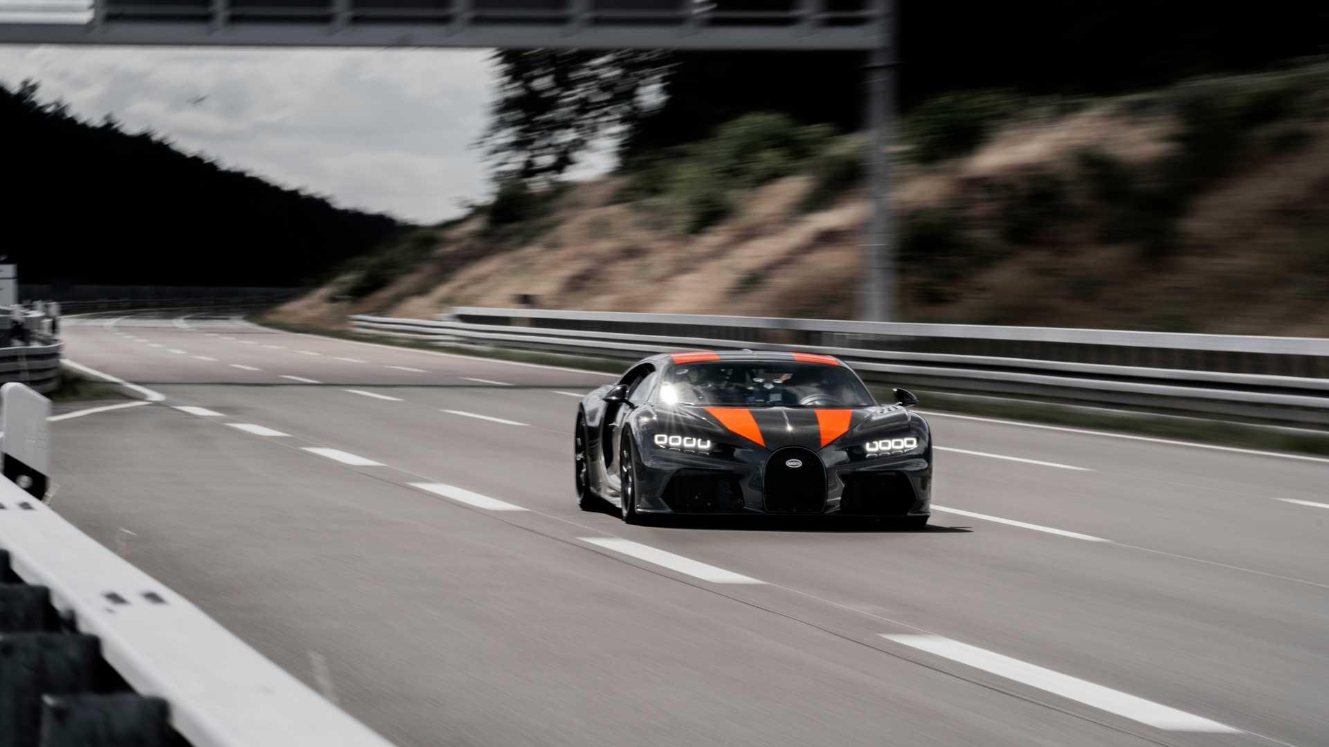 Bugatti-1 Bugatti trece de 300 mph! E noul record mondial! (video)