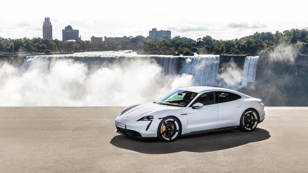 Porsche-Taycan-1 Porsche Taycan: Masina sport, reproiectata sustenabil