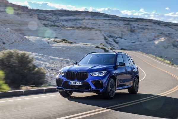 P90367278_lowRes_the-new-bmw-x5-m-and BMW X5 si X6, noile M dar si M Competition